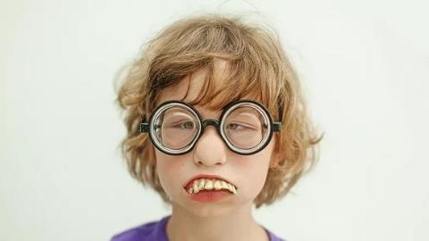 趁暑期给孩子矫治牙齿