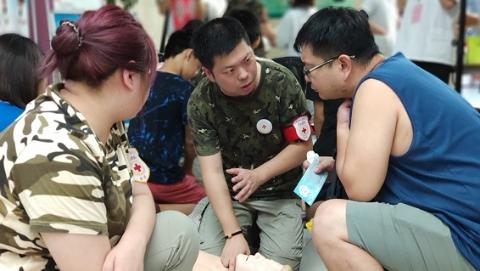 真科普战胜伪科学 上海探索科普人才培养体系化