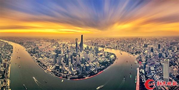 图说:陆家嘴一幢幢拔地而起的高楼,见证上海40年巨变.