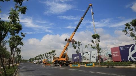 拨电杆增挡板 上海电力3000抢修人员严阵以待防御台风