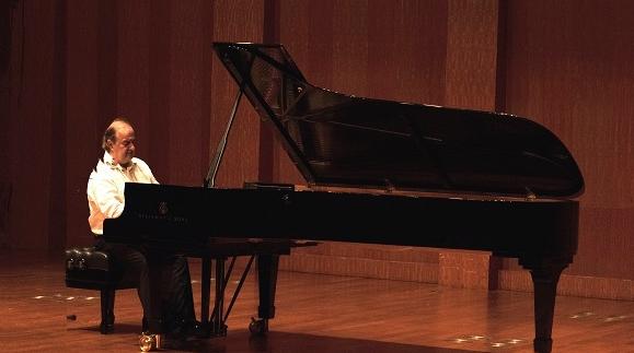 13位国际大师接连登台 上音国际钢琴艺术节启幕
