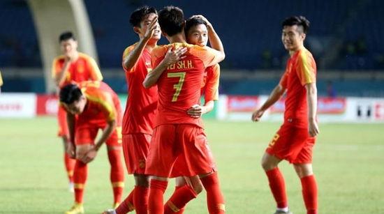 U23男足2比1逆转阿联酋 全胜成绩晋级亚运16强