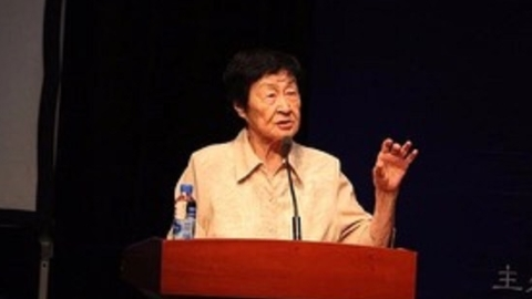 """89岁""""草根""""教师从教六十余载,写下400万字 引领中国语文教育"""