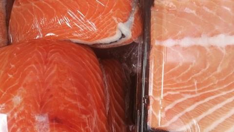 水产批发商透露:虹鳟鱼肉一般售向小饭店