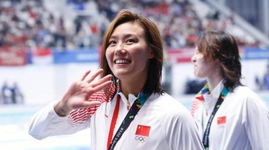 长得美还游得快!嗲妹妹刘湘霸气放言:等50米自由泳拿到金牌一起庆祝