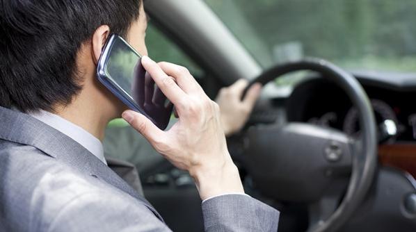 浦东20余套电子警察全线开通,专治开车打电话、玩手机!