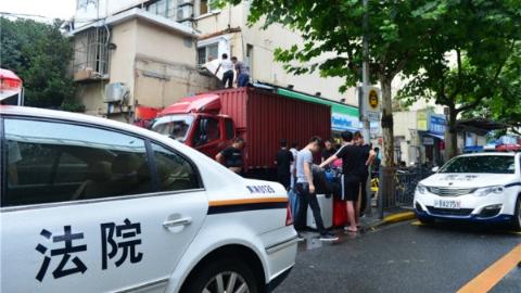 5层公房转租住进70余名租客   黄浦法院强制执行消除安全隐患