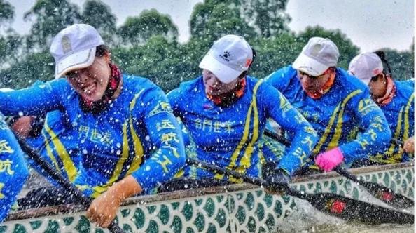 中国男子女子龙舟队连得2金!谁是他们夺冠后最想见的人?