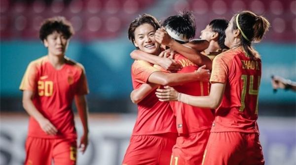 今晚,中国女足将与日本争冠,请在电视机前为她们加油呐喊!