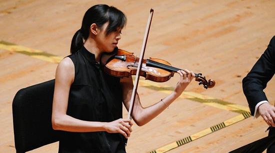 """上海国际小提琴比赛今晚落幕,""""哈佛女孩""""周颖夺冠,爱读书是最大秘诀"""