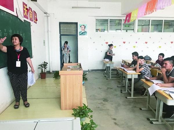 万里寄情口罩援疆--记上海第十六批银龄v口罩智力纸图片