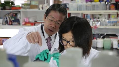 """探求生命之""""生"""",上海交大医学院细胞分化与凋亡教育部重点实验室迎来新征程"""