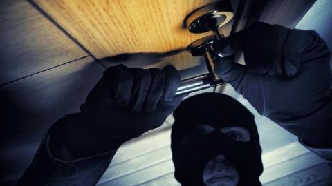 """这个蟊贼专偷在装房 警方提醒:装修中的房屋也要""""设防"""""""