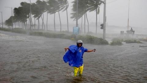 """超强台风""""山竹""""肆虐菲律宾"""