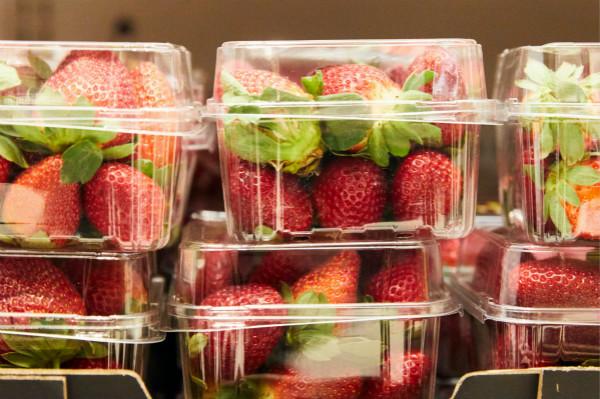澳大利亚超市草莓藏针香蕉藏金属物品,已有多人中招