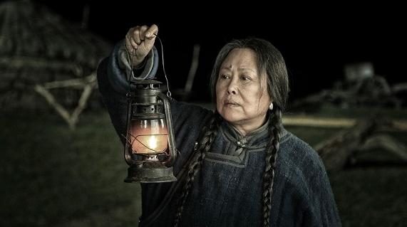 青春史诗剧《父亲的草原母亲的河》献礼国庆 斯琴高娃压阵