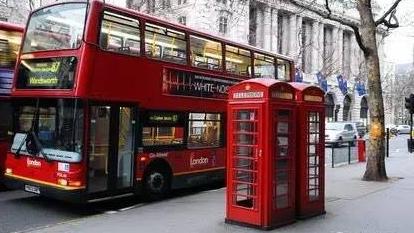 在伦敦坐公交车,这是一项技术活儿