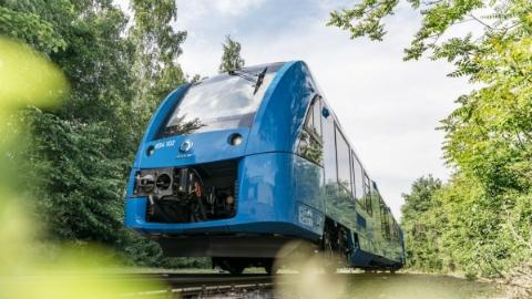 全球首辆氢动力列车在德国上路