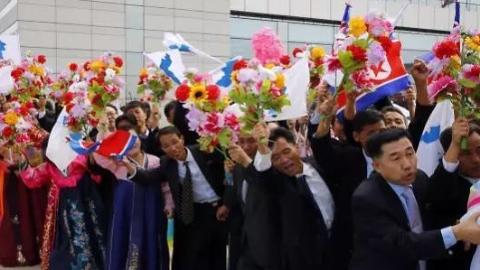 朝鲜国宴吃什么?平壤市民舞塑料花?你不知道的小细节在这里