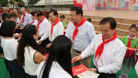 上海市政协港澳委员赴四川学习考察