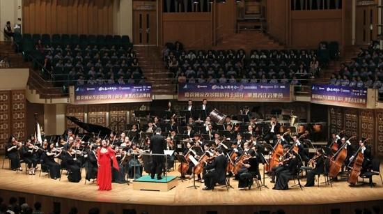 """路相连心相近 上海爱乐""""乐响香江""""音乐会纪念改革开放四十年"""