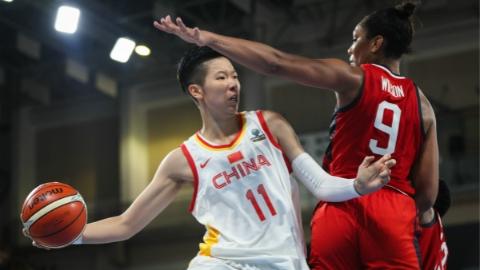 中国女篮提前小组出线 战美国虽败犹荣