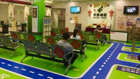 """推广轻装箱、环邮箱 上海邮政用心打造""""绿色邮局"""""""