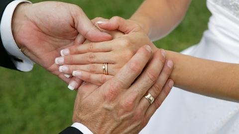 瑞典研究人员发现:丹麦图书馆员和农夫婚姻忠诚度最高
