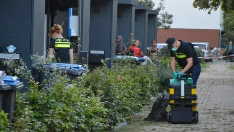 荷兰逮捕7名恐袭分子,据透露欲同时制造两起恐袭事件