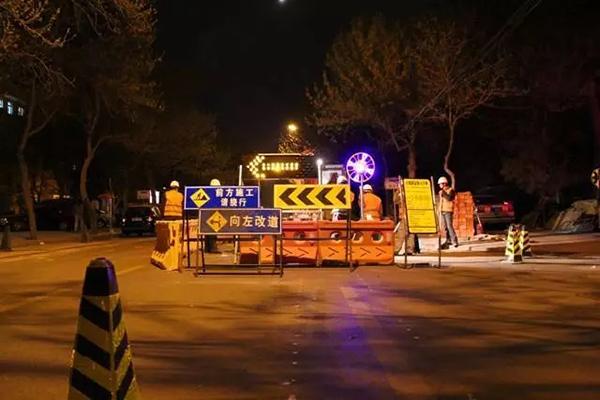 灯花   对城建夜间施工多一份理解和宽容