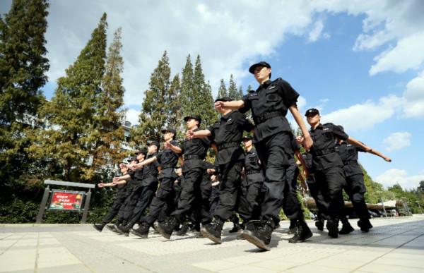 松江公安特种机动队开展警情处置演练 向市民交出满意答卷