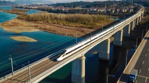 """""""颜值担当""""杭黄高铁1月5日起上海出发列车将大幅增加"""
