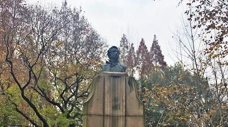 """从普希金铜像出发,领略上海三条""""诗情小马路""""风采"""