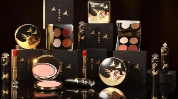 官方释疑:故宫口红停产只为研发媲美国际一线品牌国风彩妆