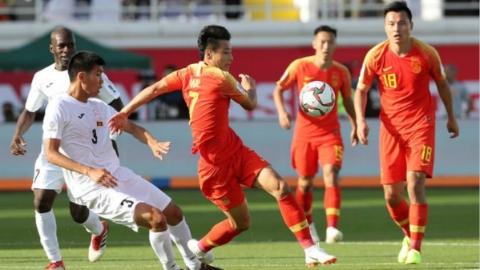 亚洲杯首战逆转击败吉尔吉斯斯坦队 自信的国足更值得期待