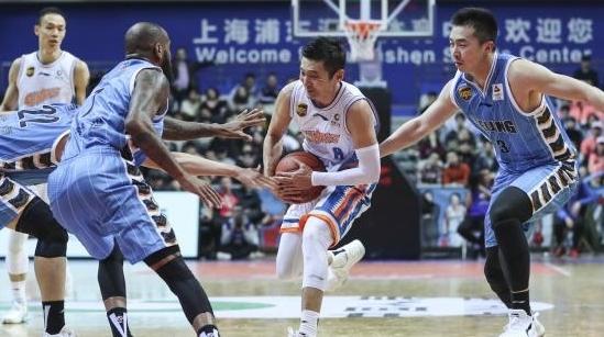 """从一鸣惊人到""""一伤再伤"""",五连败后的上海男篮何去何从?"""