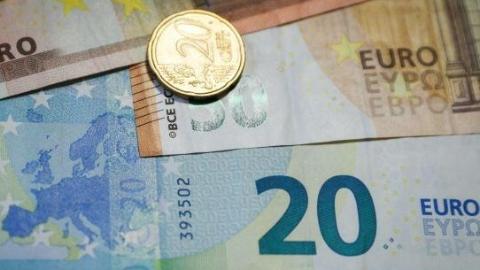 环球论坛 | 世界经济再调整 20岁欧元何处去