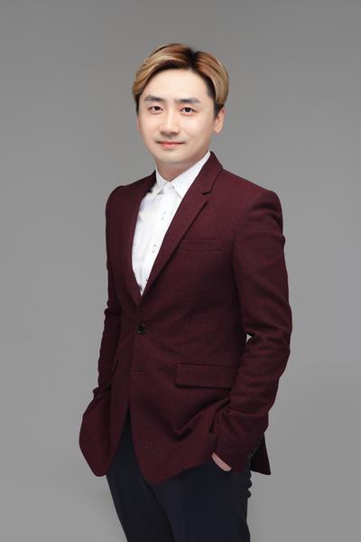 王海笑_副本.jpg