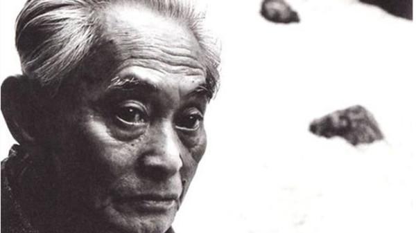 获诺奖时79岁,大文豪川端康成曾经是个苦孩子