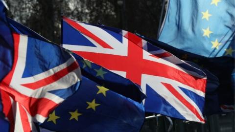 """""""脱欧""""协议难过关,英国面临这5种可能……"""