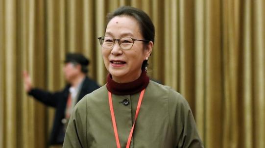 奚美娟当选上海文联主席