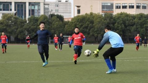 中韩海军举行足球友谊赛 中国队5比3获胜