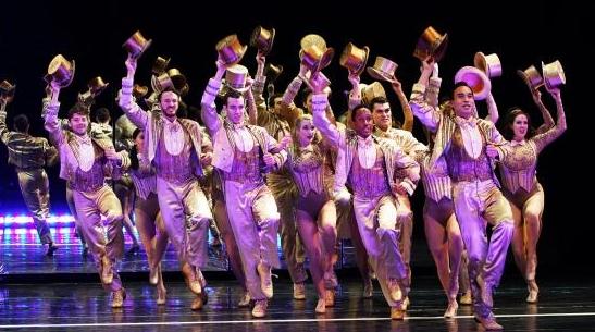 百老汇音乐剧《歌舞线上》开启上海首演 问世44年获21项大奖