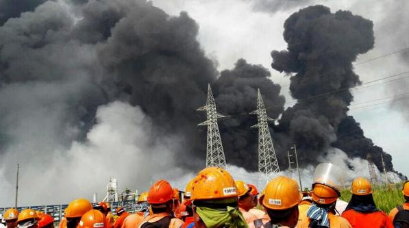 墨西哥输油设施爆炸66人死亡70余人受伤