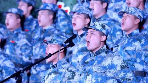 东部战区海军某岸导团举办歌咏大会 以水兵的方式向新中国成立70周年献礼