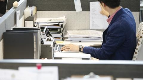 日政府暂缓讨论公务员延迟退休