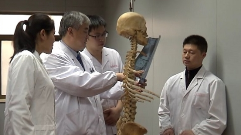 """能治病的还有双手 中医推拿要""""标准化"""""""