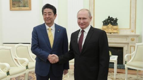 """俄日首脑会谈未获实质进展 普京给安倍""""下马威"""""""