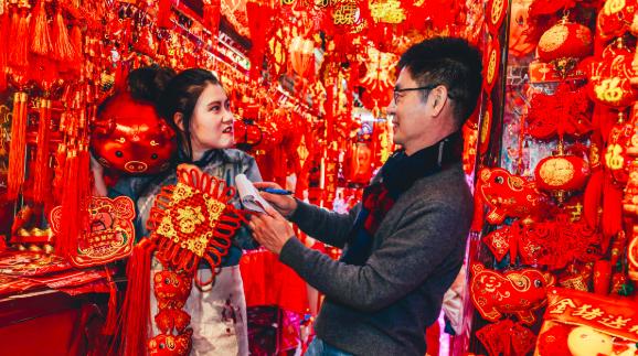 """春节里的南京路奇遇多,密境居民一兜带你兜回""""老上海"""""""