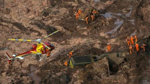 巴西矿坝决堤事故:已造成34人死亡 299人失踪
